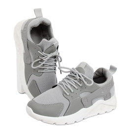 Magas talpú cipő fehér szürke PF5329 szürke ButyModne.pl
