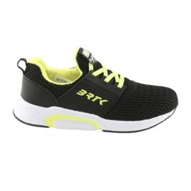 Bartek 58110 Fekete csúszósínű sportcipő