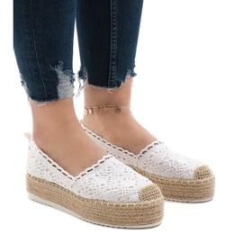 Fehér cipők, espadrillák a 7801-P platformon