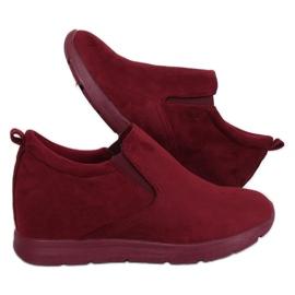 Cipő egy rejtett ék sarokon ZY-7K67 Red piros