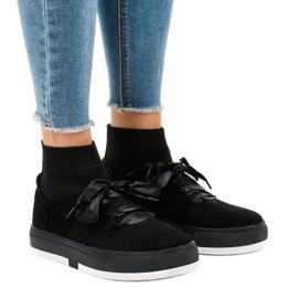 Fekete cipők, magas szalaggal, CH-95
