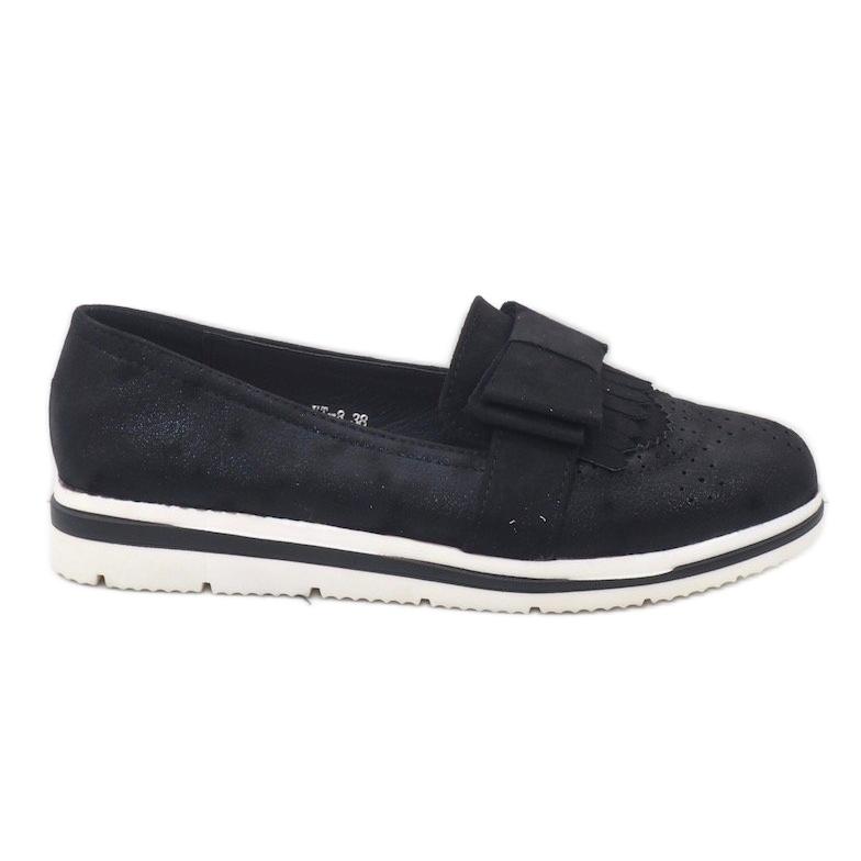 Fekete matt cipő az YT-8 égen