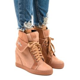 Rózsaszín cipők fűzős ékekkel B12-22