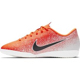 Beltéri cipő Nike Mercurial Vapor X 12 Academy Ic Jr AJ3101-801 fehér, narancs narancs 2