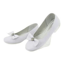 Szivattyúk áldozó balerinák fehér Miko 800 3