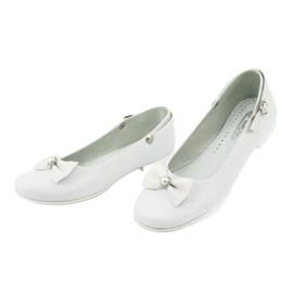 Fehér Miko 806 balerinák 1