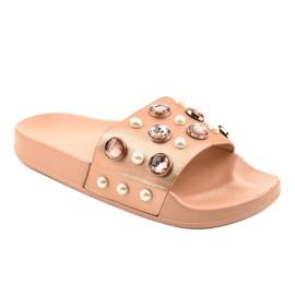 Rózsaszín papucs H-6567 gyöngyökkel 1